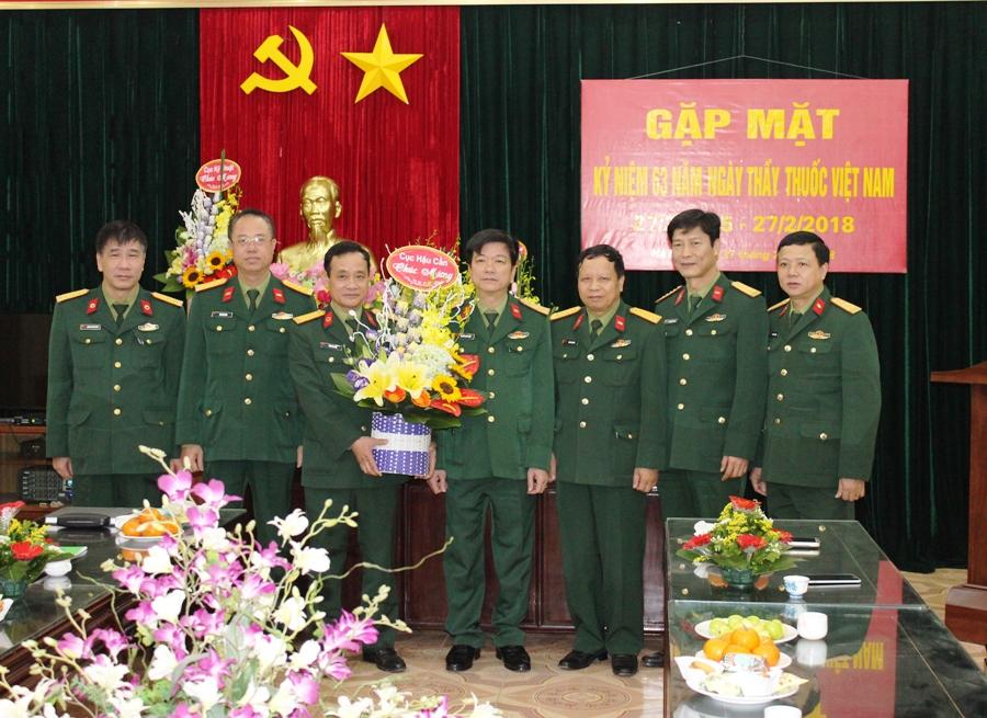 Bộ Tư lệnh Tăng thiết giáp gặp mặt nhân kỷ niệm 63 năm Ngày thầy thuốc Việt Nam  