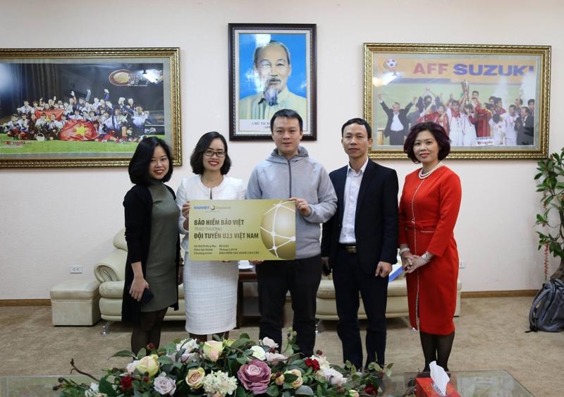 Bảo hiểm Bảo việt tặng thưởng cho Đội tuyển U23 Việt Nam