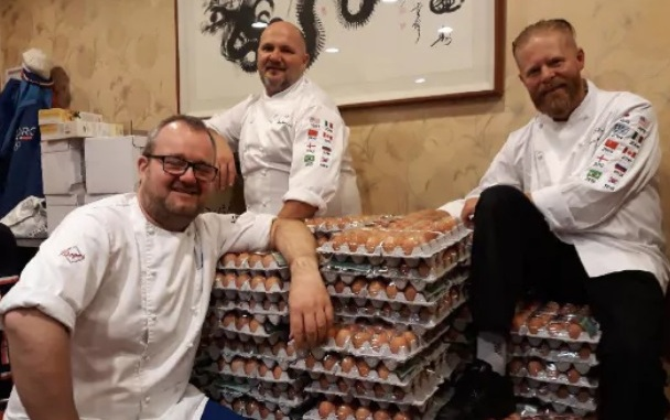 Đầu bếp Na Uy nhận được 15.000 quả trứng dù chỉ đặt hàng 1.500 quả