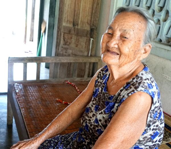 Ngày xuân thăm Mẹ Việt Nam anh hùng