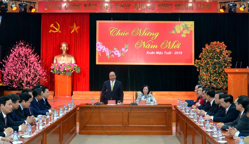 Thủ tướng Nguyễn Xuân Phúc gặp mặt, chúc Tết các cơ quan Đảng