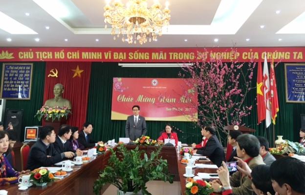Phó Thủ tướng Vũ Đức Đam thăm chúc mừng Tổng hội Y học Việt Nam và Hội Chữ thập đỏ Việt Nam