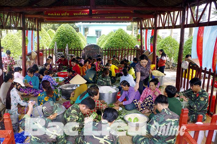 Gói 1.000 đòn bánh tét tặng dân nghèo