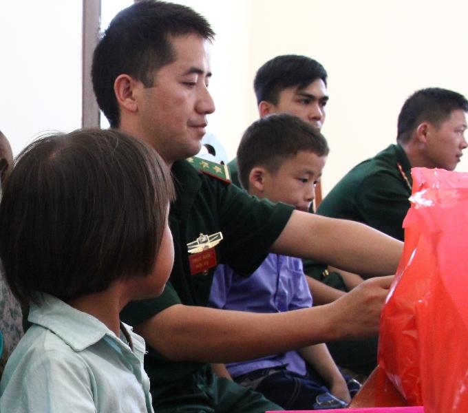 Chắp cánh cho những ước mơ của trẻ em nghèo