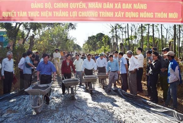 Kon Tum: Ra quân xây dựng nông thôn mới đầu năm