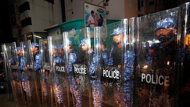 Bộ Ngoại giao khuyến cáo công dân Việt Nam không nên đến Man-đi-vơ