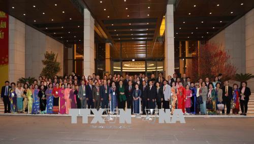 Phó Chủ tịch Thường trực Quốc hội Tòng Thị Phóng tiếp Đoàn cựu giáo viên kiều bào tại Thái Lan
