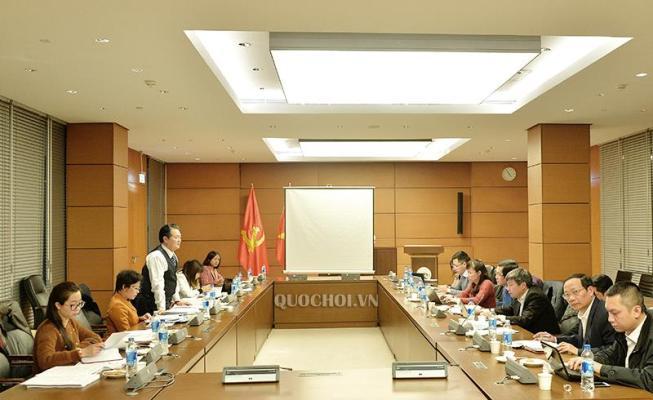Thường trực Ủy ban Pháp luật làm việc với Bộ Giáo dục và Đào tạo về 2 Dự án Luật