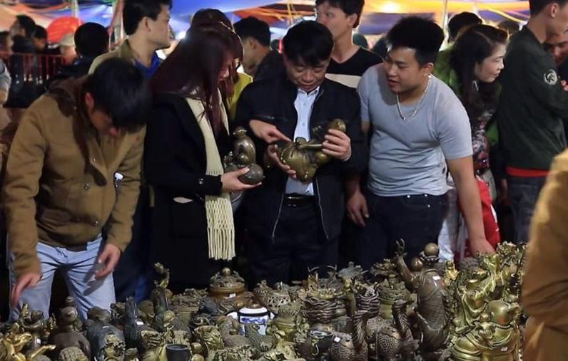 Nam Định: Hàng vạn người về dự phiên chợ Viềng - Phủ Dầy