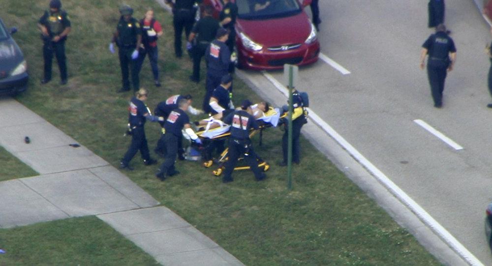 Vụ xả súng ở Florida: Tổng thống Mỹ đến Parkland thăm hỏi các nạn nhân