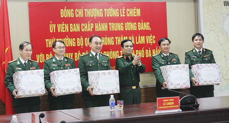 Thượng tướng Lê Chiêm thăm và làm việc với Bộ đội Biên phòng TP. Đà Nẵng
