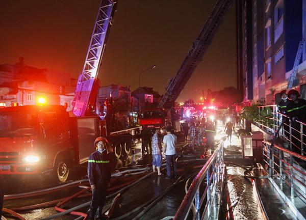 Hiện trường vụ cháy chung cư khiến 13 người thiệt mạng ở TP. Hồ Chí Minh