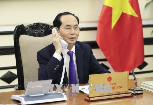 Chủ tịch nước Trần Đại Quang điện đàm với Tổng thống Liên bang Nga V. Pu-tin
