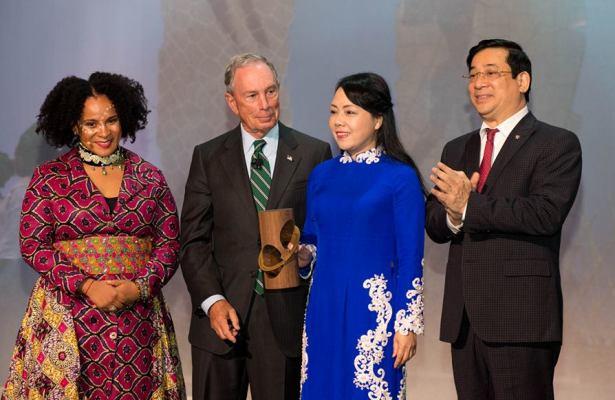 Bộ Y tế nhận giải thưởng quốc tế về theo dõi, giám sát sử dụng thuốc lá