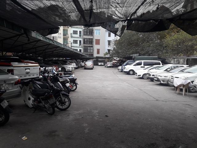 Bãi xe ngõ 31 Kim Mã (Hà Nội) ngang nhiên hoạt động không phép?
