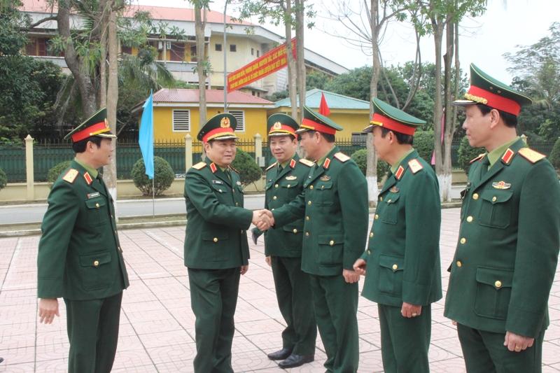 Đại tướng Ngô Xuân Lịch thăm và làm việc với Bộ Tư lệnh Quân khu 4