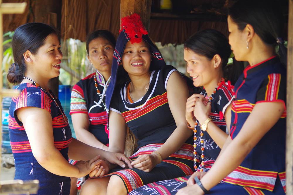 Phụ nữ Cơ Tu góp sức phát triển du lịch cộng đồng