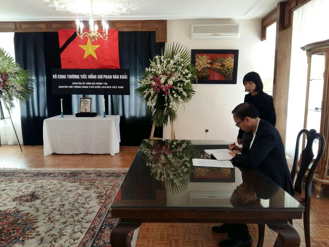 Đại sứ quán Việt Nam tại Iran tổ chức Lễ viếng nguyên Thủ tướng Phan Văn Khải