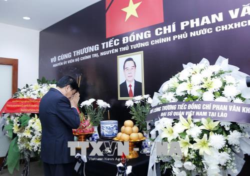 Đại sứ quán Việt Nam tại các nước mở sổ tang viếng nguyên Thủ tướng Phan Văn Khải
