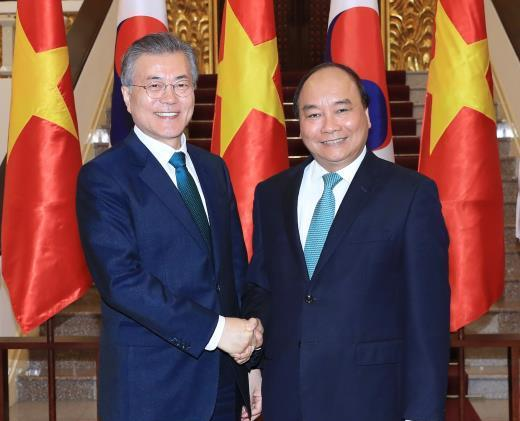 Thủ tướng Nguyễn Xuân Phúc: Việt Nam coi trọng việc thúc đẩy quan hệ hợp tác với Hàn Quốc