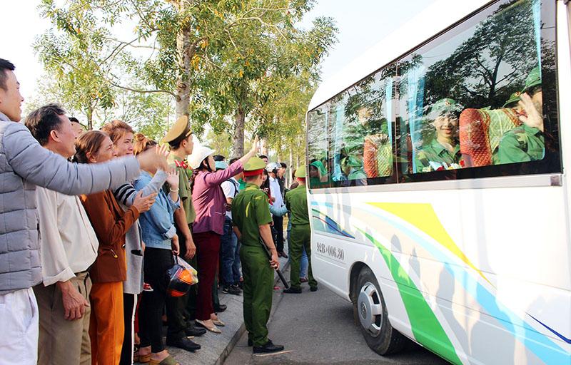 Quảng Nam: 2.500 tân binh nô nức lên đường tòng quân