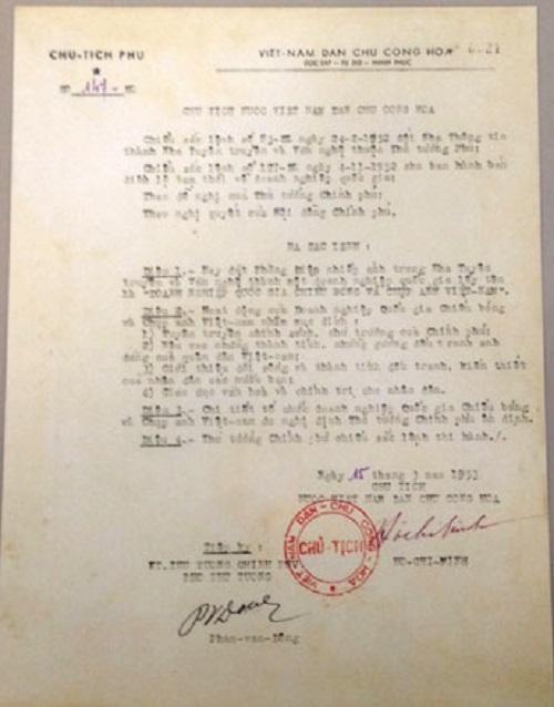 Cục Điện ảnh đón nhận bản sao Sắc lệnh số 147/SL của Chủ tịch Hồ Chí Minh