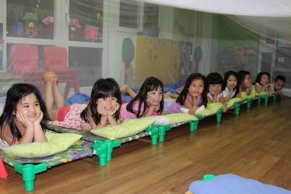 Lớp mầm non tư thục có thể trông không quá 70 trẻ