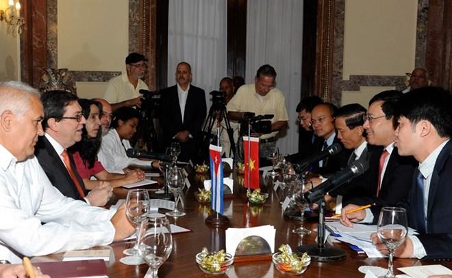 Việt Nam - Cuba tiếp tục hợp tác chặt chẽ thúc đẩy quan hệ