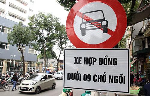 Bộ Giao thông - Vận tải: Cấm Uber, Grab ở 11 tuyến phố Hà Nội là
