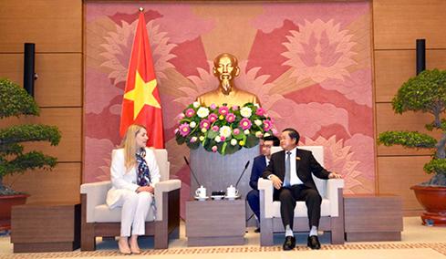 Phó Chủ tịch Quốc hội Đỗ Bá Tỵ tiếp Chủ tịch Nhóm nghị sĩ hữu nghị Ukraine – Việt Nam