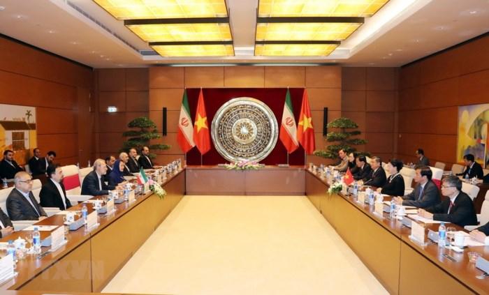 Củng cố và phát triển quan hệ  hữu nghị và hợp tác truyền thống Việt Nam - Iran