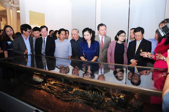 Trưng bày gần 300 báu vật tiêu biểu của khảo cổ Việt Nam