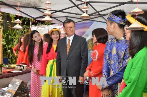 Giới thiệu bản sắc Việt trong hội nhập ASEAN +3 tại Campuchia