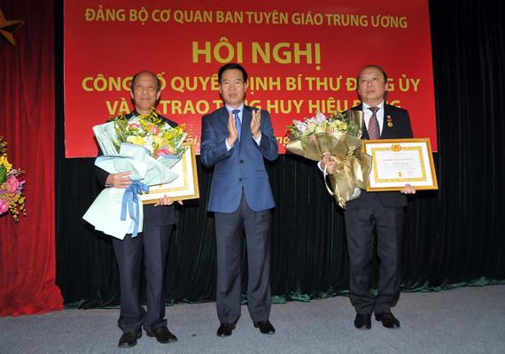 Đồng chí Võ Văn Phuông giữ chức Bí thư Đảng ủy Cơ quan Ban Tuyên giáo Trung ương