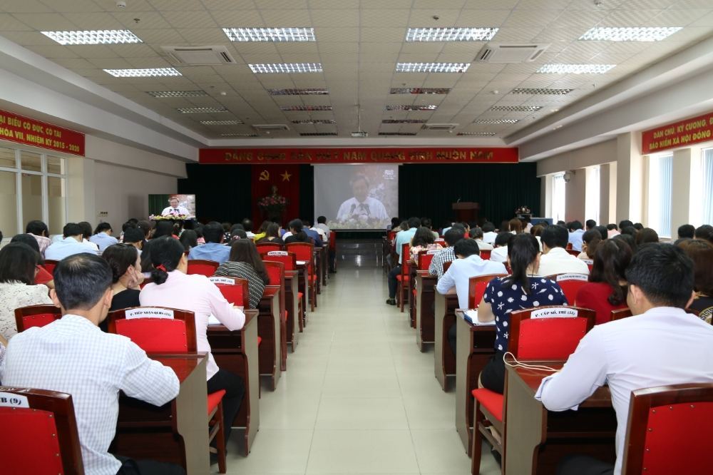 Đảng bộ Bảo hiểm xã hội tỉnh Đồng Nai quán triệt chuyên đề về học tập và làm theo Bác năm 2018