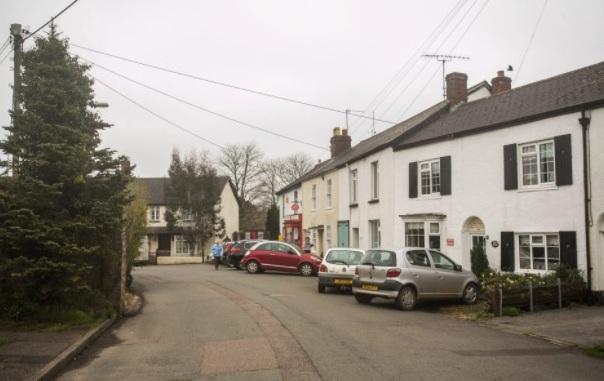 Ngôi làng cao thêm 2cm mỗi năm ở Anh