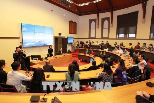 Việt Nam sẵn sàng tạo điều kiện thuận lợi đẩy mạnh hợp tác hơn nữa về giáo dục với Ô-xtrây-li-a