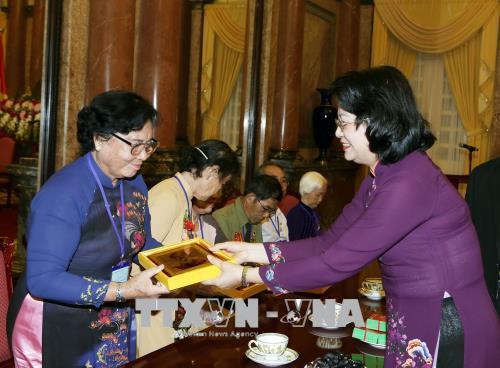 Phó Chủ tịch nước Đặng Thị Ngọc Thịnh tiếp Đoàn đại biểu người có công tỉnh Tiền Giang