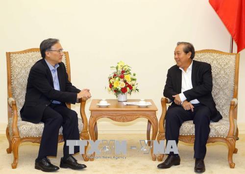 Phó Thủ tướng Thường trực Chính phủ Trương Hòa Bình tiếp Thứ trưởng Thường trực Bộ Nội vụ Singapore