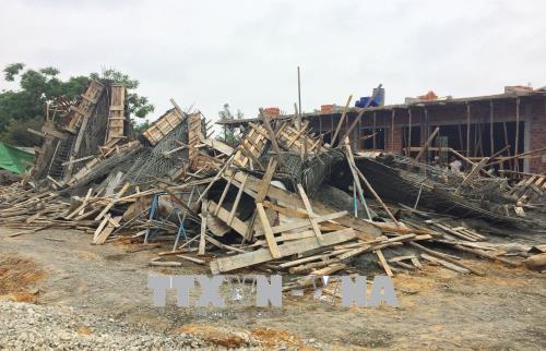 Thừa Thiên - Huế: Sập giàn giáo thi công cây xăng, 7 công nhân nhập viện