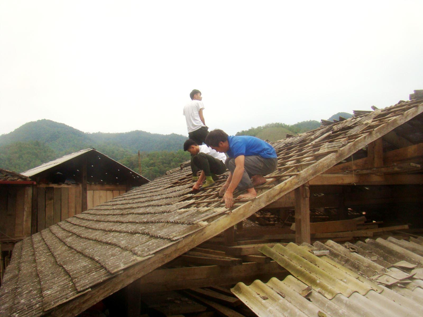 Dông lốc, mưa đá làm hư hỏng 3.769 ngôi nhà