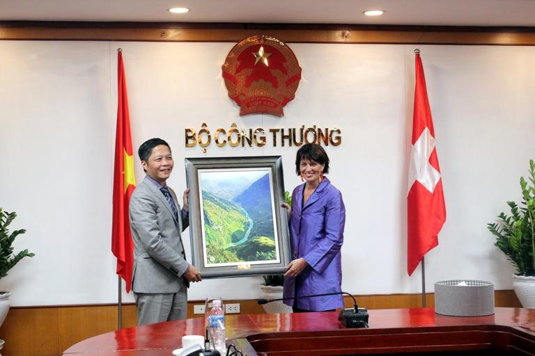 Việt Nam - Thụy Sĩ tăng cường trao đổi hợp tác kinh tế, thương mại