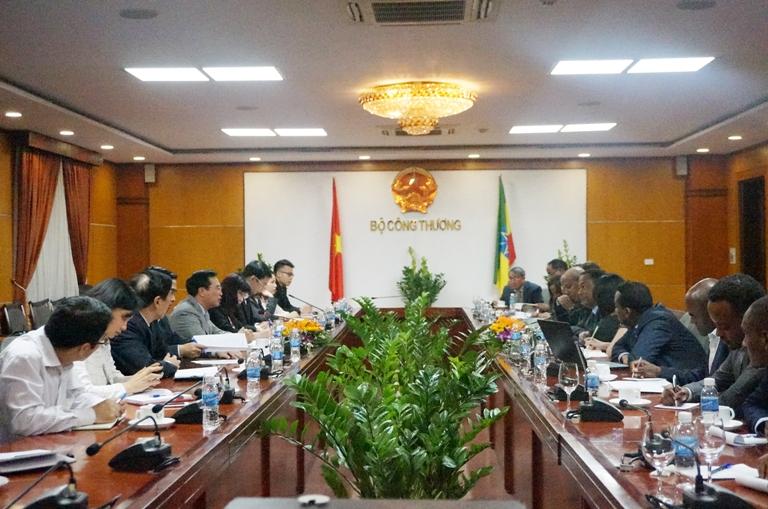 Bộ trưởng Quốc Vụ khanh Bộ Nước, Thủy lợi và Điện Ethiopia làm việc với Bộ Công Thương