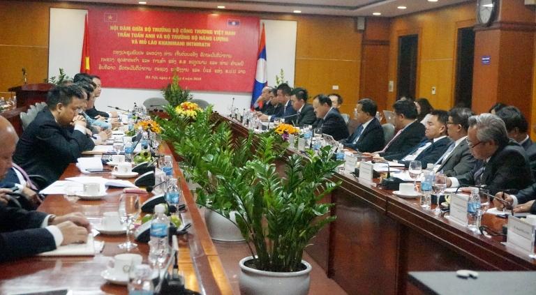 Bộ trưởng Bộ Năng lượng và Mỏ Lào Khăm-ma-ni In-thi-lát làm việc với Bộ Công Thương