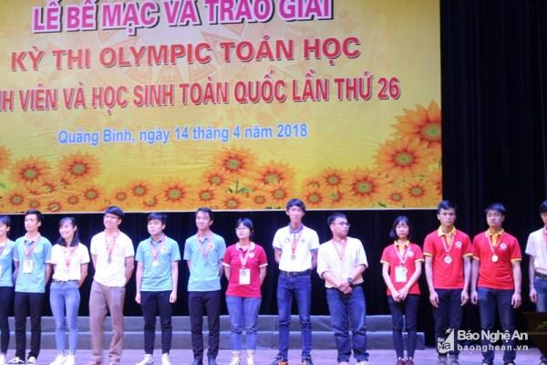 Trao giải Kỳ thi Olympic Toán học sinh viên và học sinh toàn quốc năm 2018