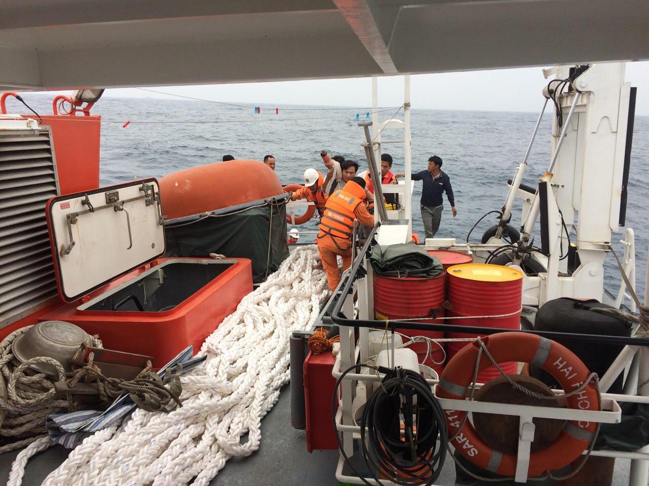 Cứu kịp thời thuyền viên bị nạn khi đang lao động trên biển