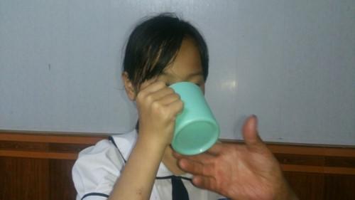 Yêu cầu xử lý nghiêm cô giáo phạt học sinh súc miệng bằng nước vắt giẻ lau
