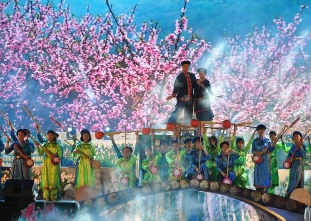 Gần 500 nghệ nhân, nghệ sĩ, diễn viên tham gia khai mạc Liên hoan hát Then, đàn Tính