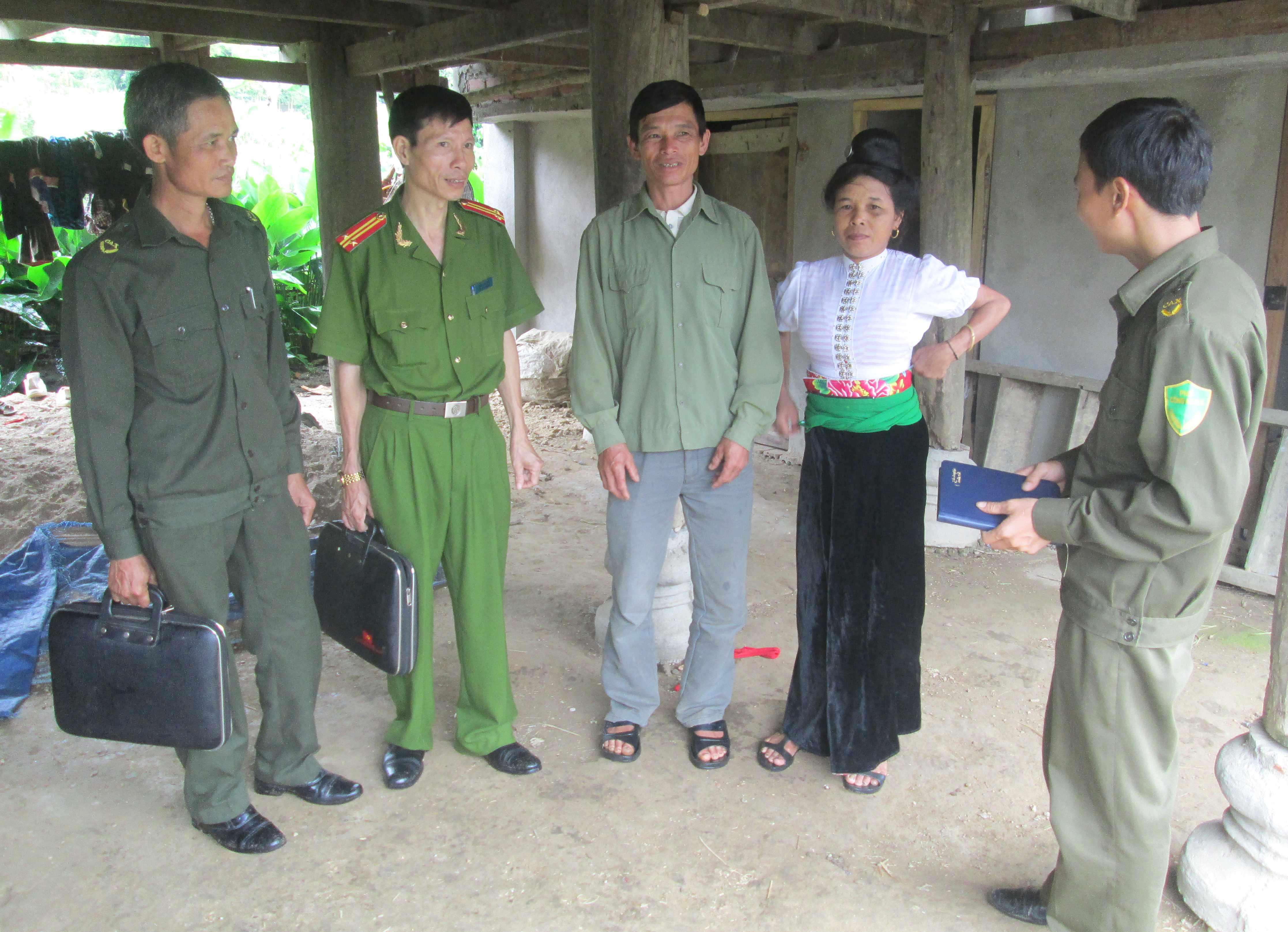 Cán bộ, chiến sĩ Công an tỉnh Hòa Bình học và làm theo Bác