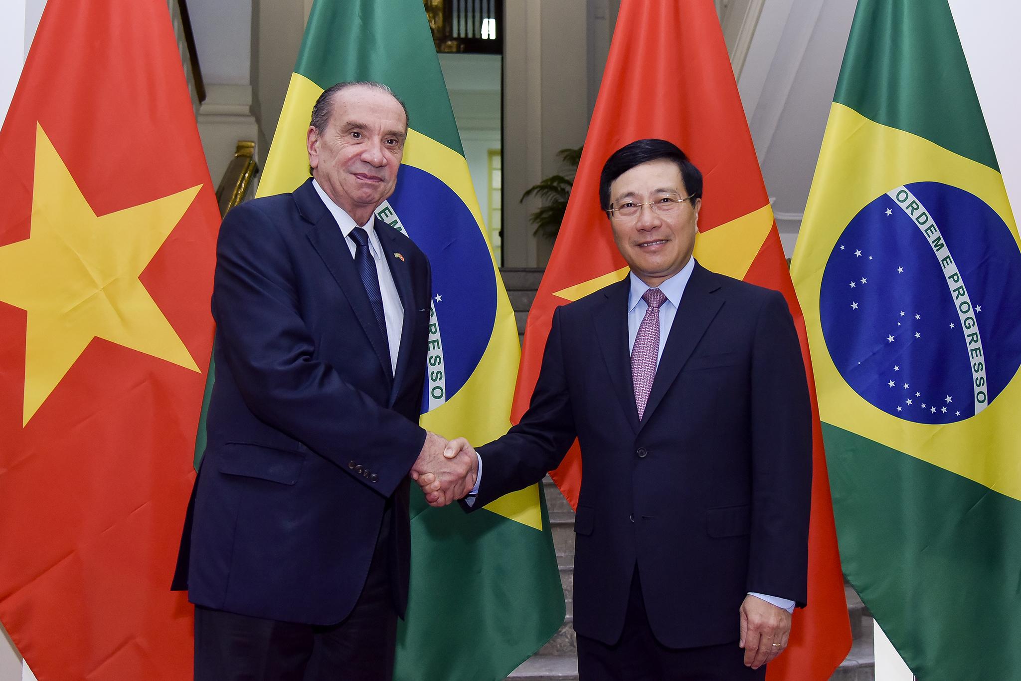 Việt Nam coi trọng vị thế quốc tế ngày càng tăng của Bra-xin